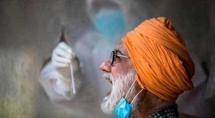 مفاجآت تثير حيرة العلماء حول فيروس كورونا في الهند