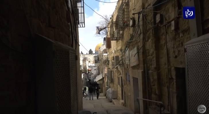 الاحتلال يجبر عائلة مقدسية على إخلاء منزلها وتسليمه للمستوطنين